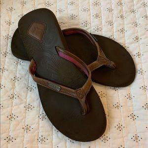 REEF Brown Leather Flips - Sz 8.5